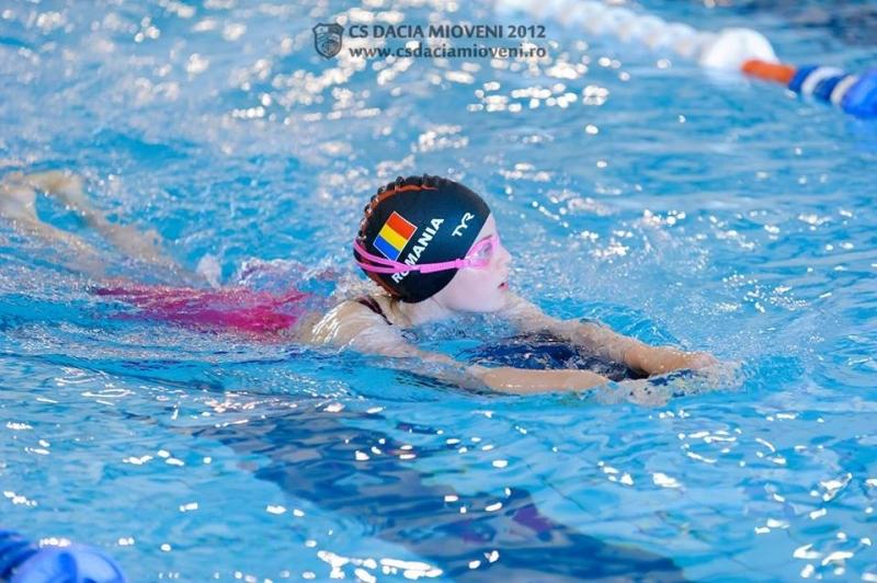 O nouă competiţie pentru înotătorii din Mioveni