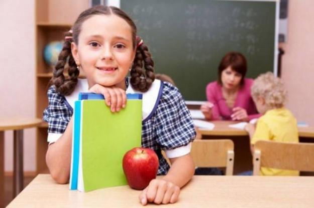 Elevii din Argeş au rămas fără mere!