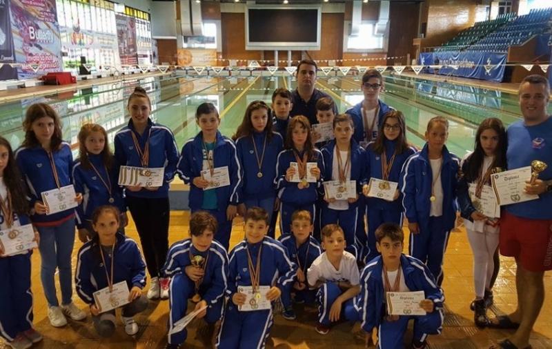 Medalii pentru înotătorii de la Mioveni