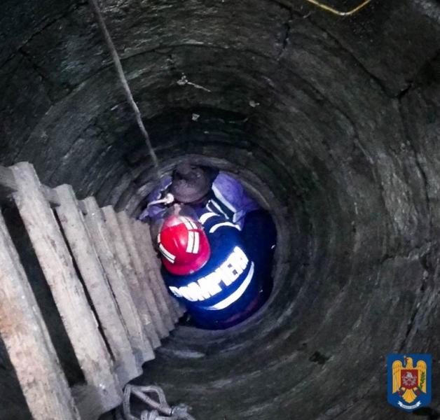 Apă evacuată din staţia de pompare de la Buzoeşti