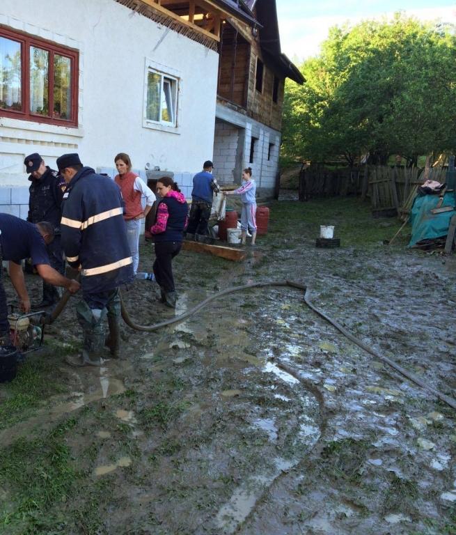ISU a intervenit la Rucăr şi Dâmbovicioara