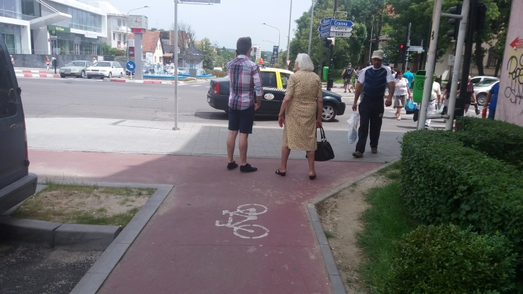 Piste de biciclete care duc nicăieri