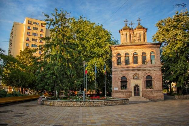 Punct de hidratare la Catedrala Sfântul Gheorghe din Piteşti