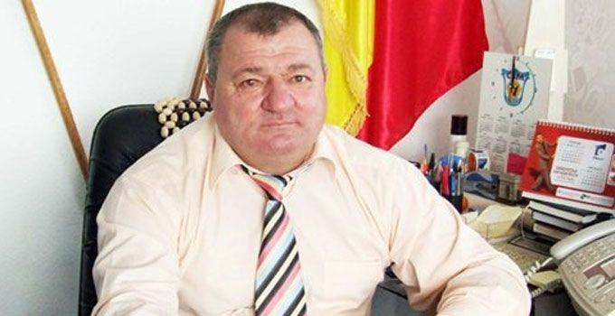 Primarul din Moşoaia, în incompatibilitate