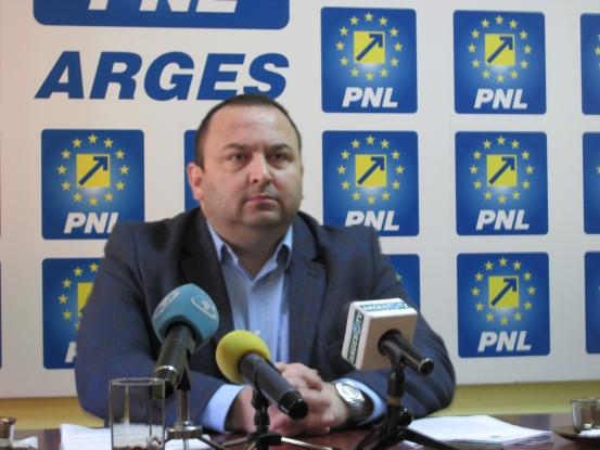 Tot Sofianu conduce PNL Piteşti...