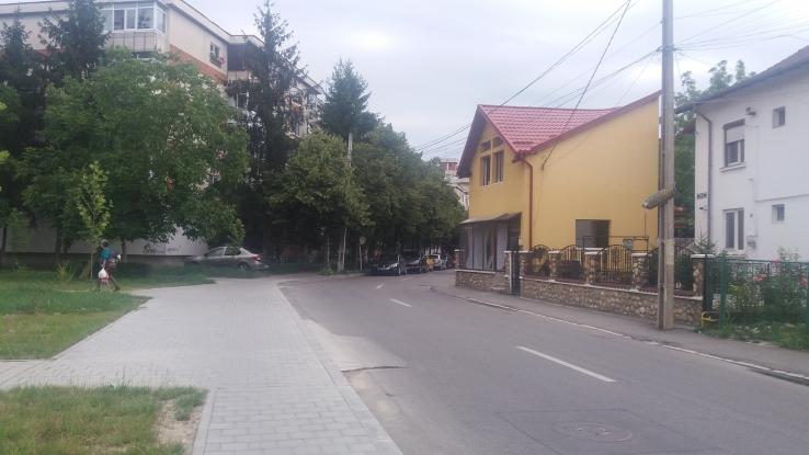 Cu casa în stradă!