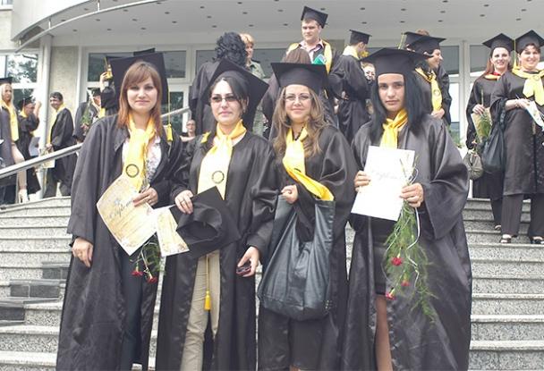 Numărul studenţilor argeşeni a scăzut alarmant