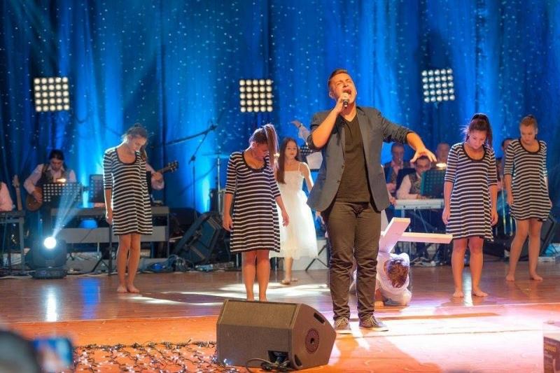 """Înscrierile pentru Festivalul ,,Laleaua de aur"""" – Mioveni 2016 s-au prelungit până la 1 august"""