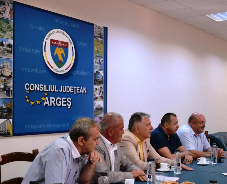 Marcel Boloș s-a întâlnit cu administraţia judeţului
