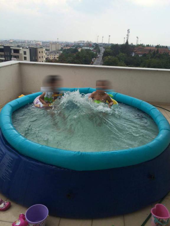 Fost prefect cu piscina pe balcon. Afla ce amenda risca