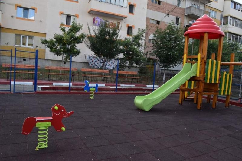 Noi locuri de joacă amenajate în Mioveni
