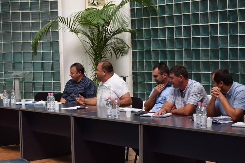 Problematica romilor a fost dezbătută la Mioveni