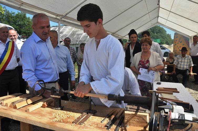 Zi de sărbătoare la Poienarii de Muscel și Aninoasa