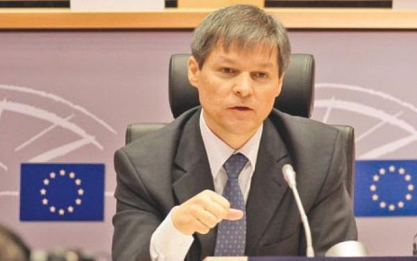 Premierul Dacian Cioloş va merge în vizită oficială la Chișinău