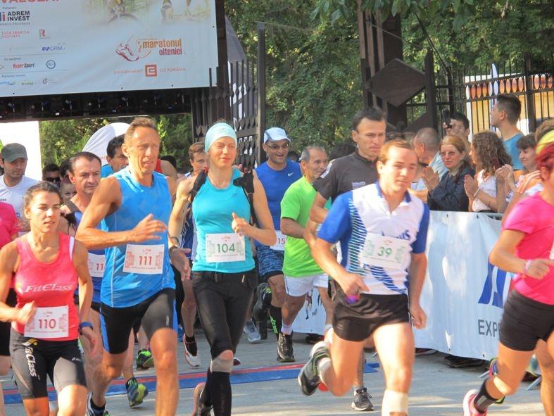 Sute de atleţi reuniţi la Maratonul Olteniei
