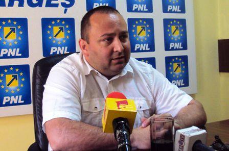 Narcis Sofianu: Piteştenii plătesc taxă pe incompetenţa administraţiei publice!