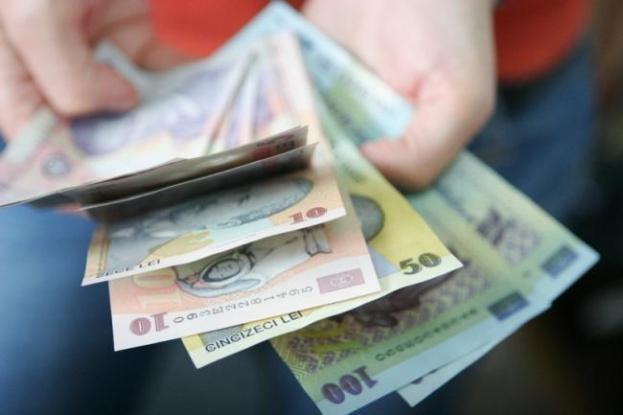 Salariile argeşenilor, mai mici