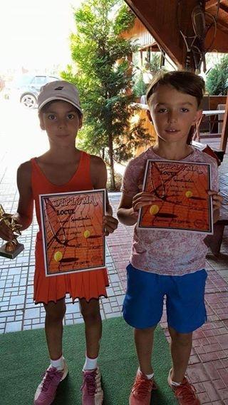 Medalii pentru tenismenii din Mioveni