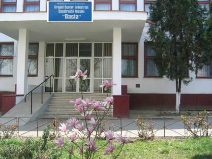 Masă caldă la Liceul Dacia