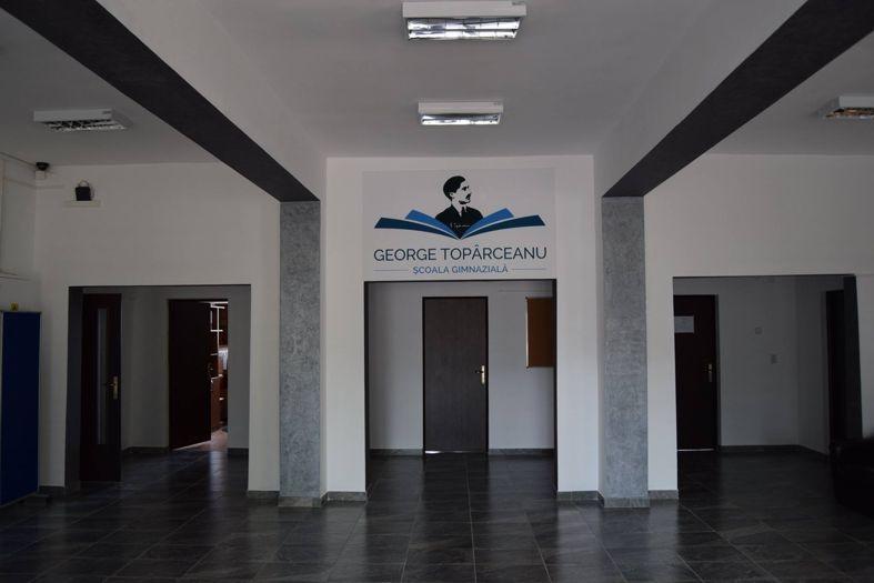 """Prezentare Şcoala Gimnazială """"George Topârceanu"""""""