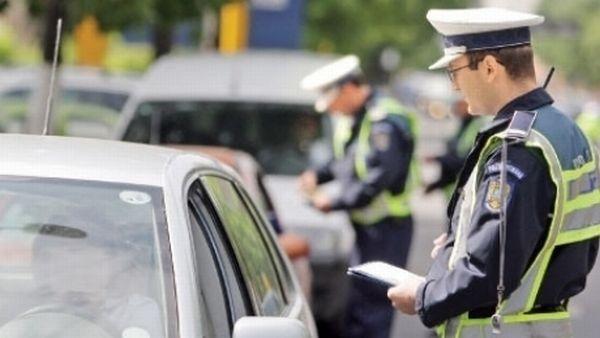 Mai puţini şoferi amendaţi