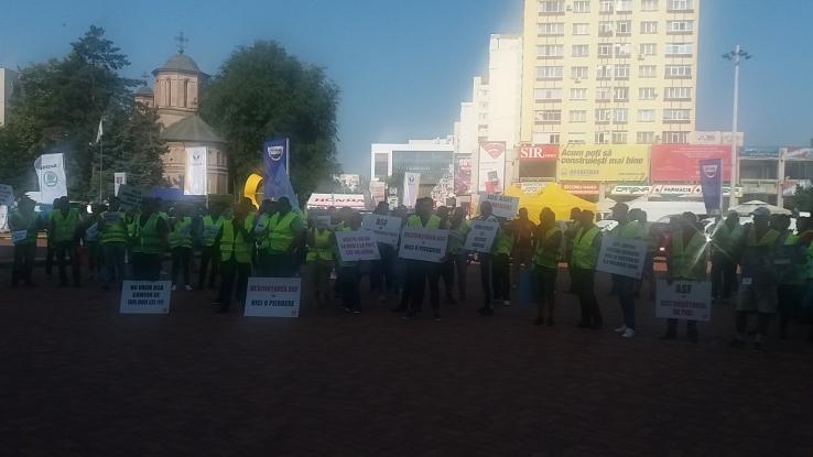 Transportatorii au protestat în Piteşti