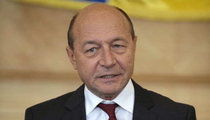 Băsescu îl vorbeşte de bine pe Pendiuc
