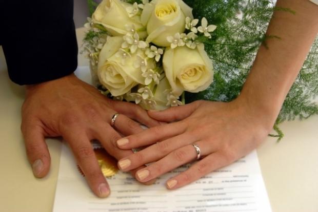 30 de căsătorii în străinate