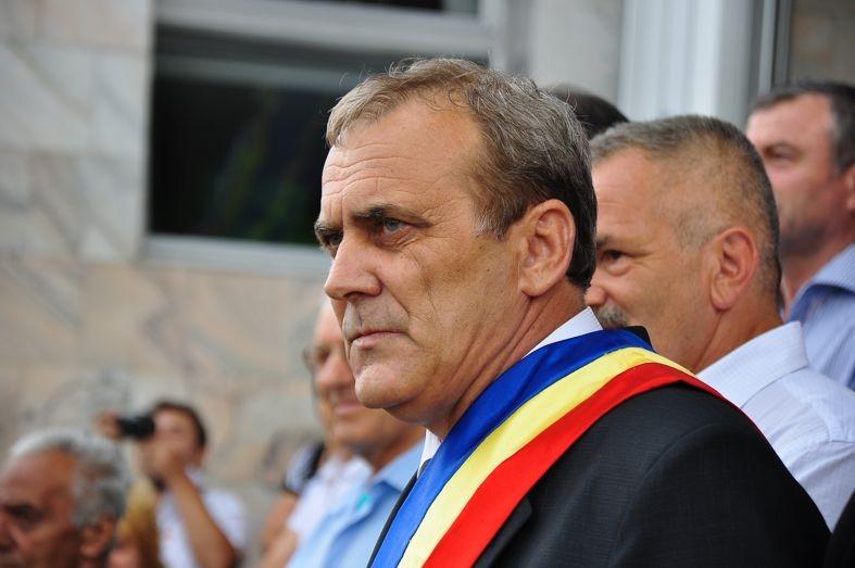 Primarul Ion Georgescu, mesaj de Ziua Internaţională a Profesorului