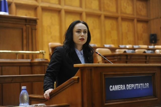 În prag de alegeri, Simona Bucura pune sare pe rană