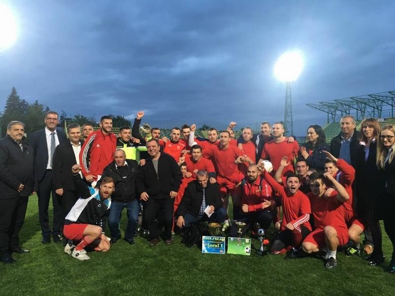 Sindicaliştii de la Dacia s-au întrecut pe terenul de fotbal