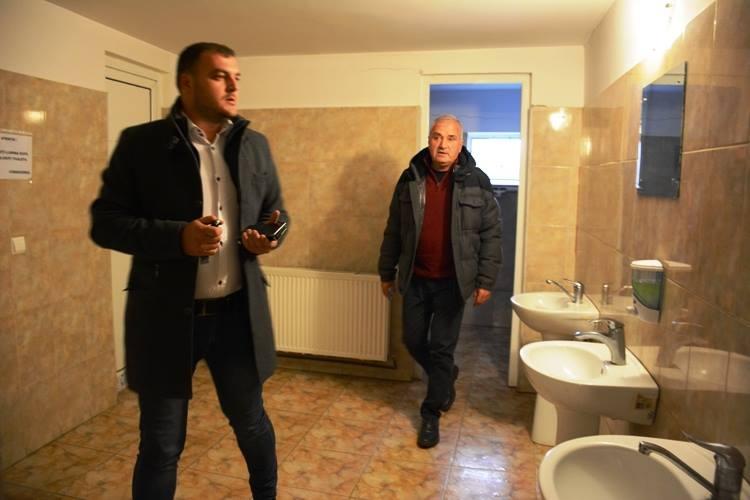 Drăganu: Prima comună unde Dan Manu a găsit toalete la standarde europene