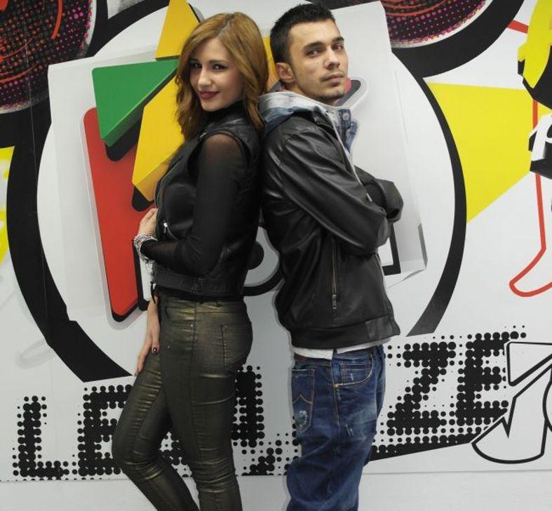 """Alina Eremia şi Vescan, la balul bobocilor de la liceul """"Iulia Zamfirescu"""" din Mioveni"""