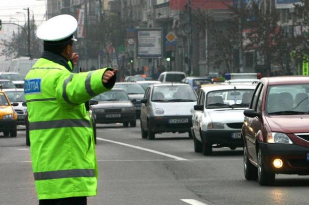 Peste 170 de şoferi amendaţi