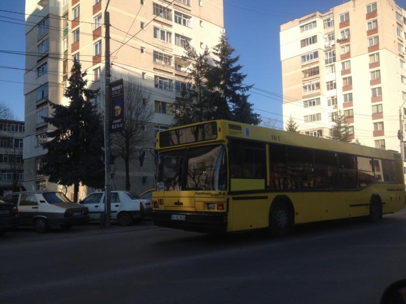 Angajaţii primăriei merg gratis cu autobuzul