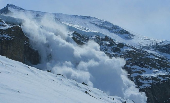 Pericol de avalanşă în Argeş