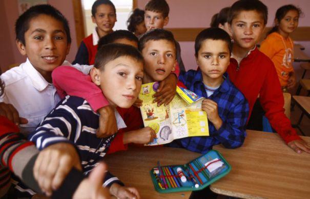 Primăria Piteşti dă bani pentru romi