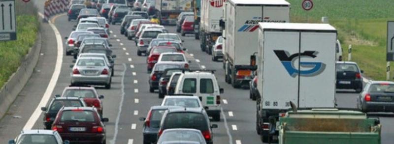 Aglomeraţie pe autostrada Bucureşti-Piteşti