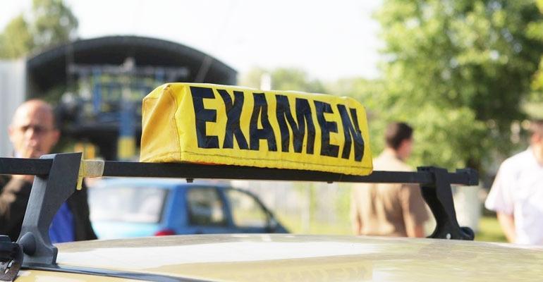 Examenele auto din 2 decembrie se menţin