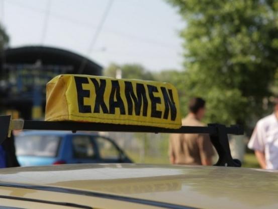 Premieră în Argeş: autoprogramare la examenul auto
