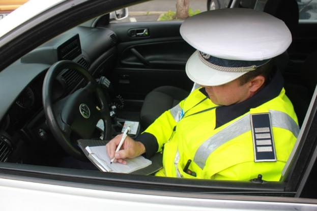 133 de şoferi amendaţi în 24 de ore