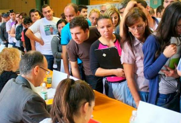 Peste 10.000 de şomeri neindemnizaţi în Argeş
