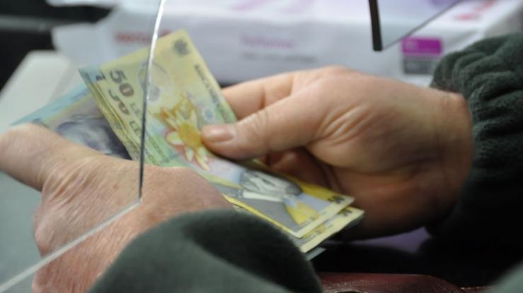 Pensiile argeşenilor vin mai devreme