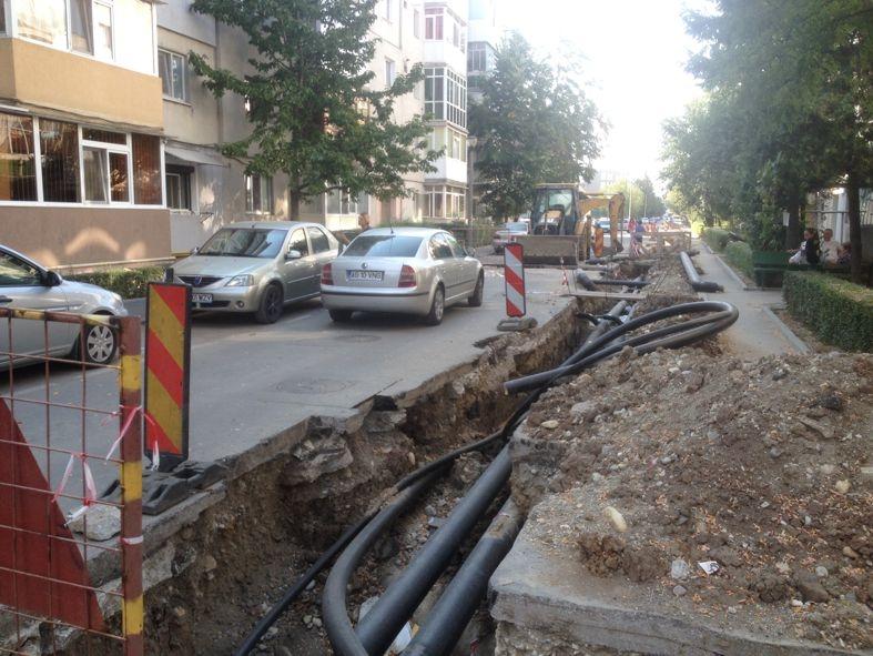 O stradă din Pitești rămâne fără apă