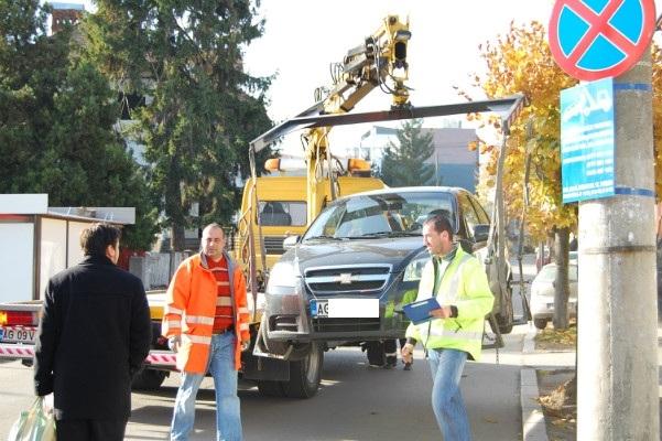 Proceduri pentru ridicarea vehiculelor parcate neregulamentar