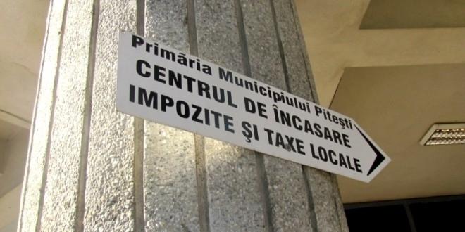 Mulţi plătitori la taxe şi impozite în Piteşti