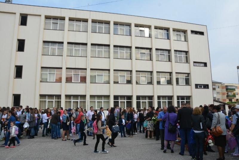 Mioveni: Simularea evaluării naționale și cea a bacalaureatului vor începe pe 13 martie