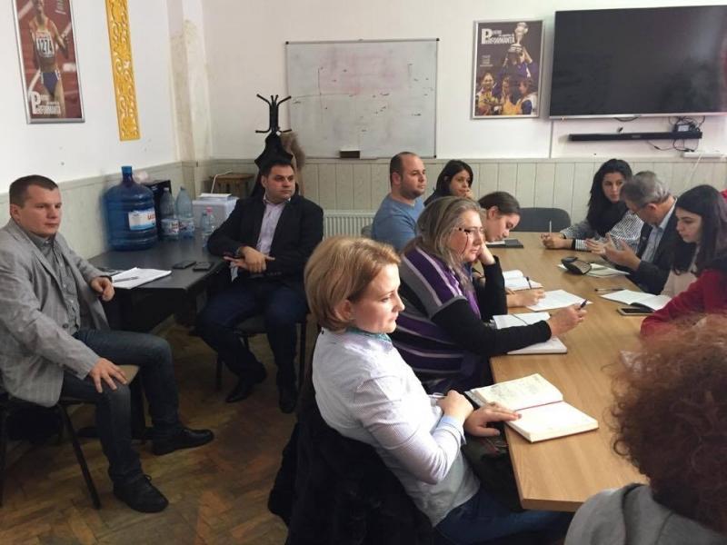 Întâlnire consultativă cu reprezentanţi ONG din judetul Argeş