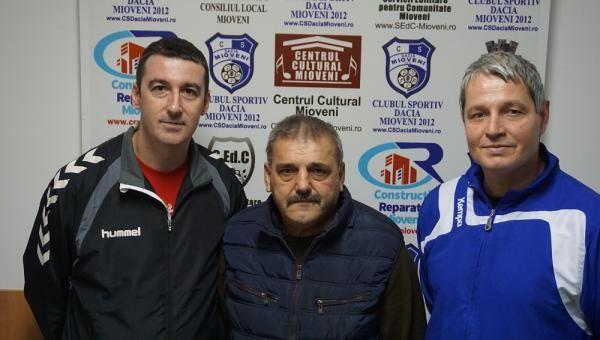 O nouă echipă de antrenori pentru handbalistele din Mioveni
