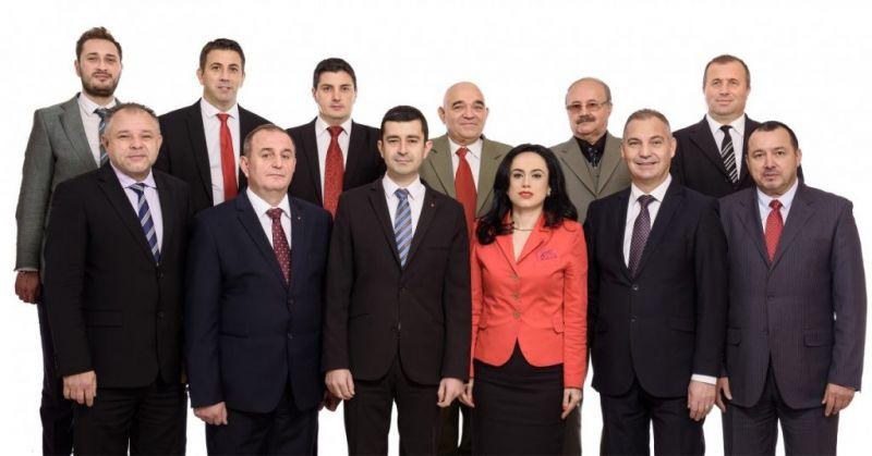 """Parlamentarii argeşeni s-au """"lepădat"""" de Grindeanu. Află cine mai susţine Guvernul!"""